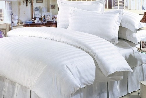 hotel-bed-cover-and-pillow-500x500